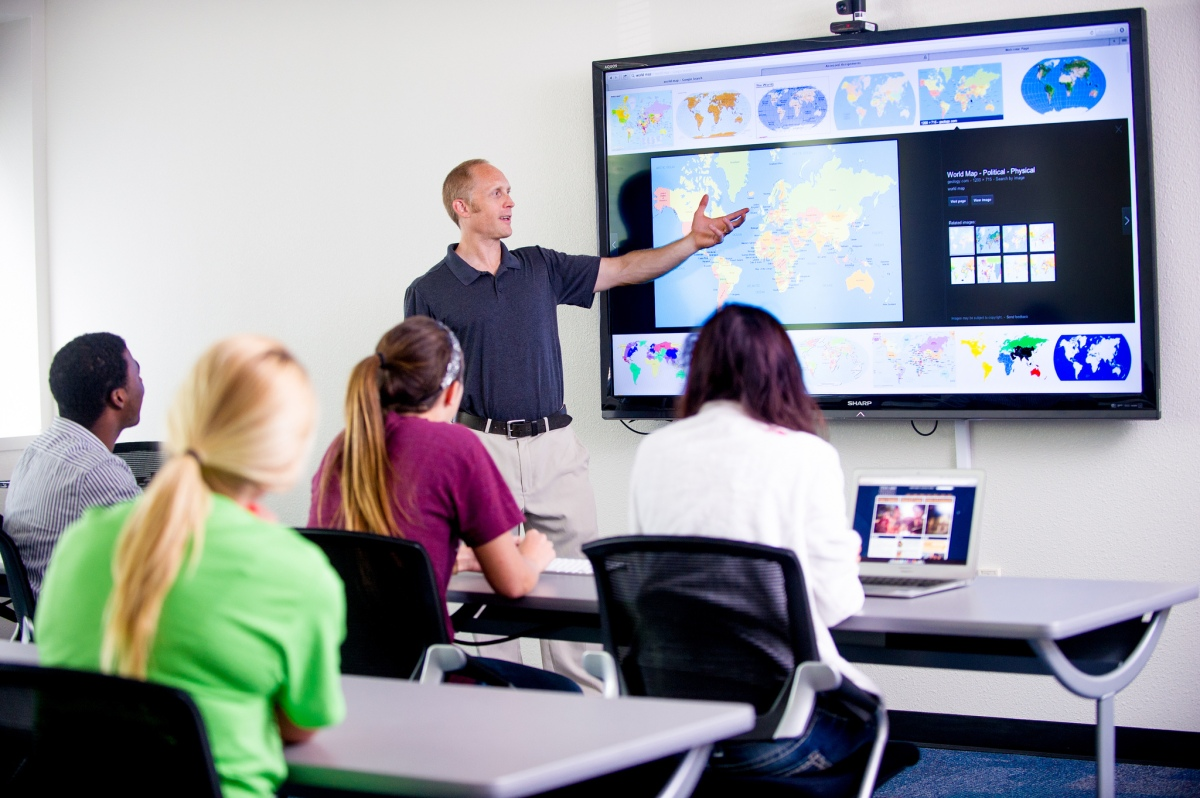 4 Recommended Trainings BEFORE Going 1:1 #edtech #1to1techat